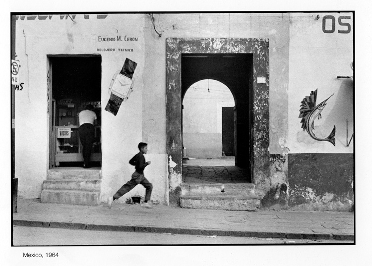 Henri cartier bresson finding a decisive moment for the waiting stage